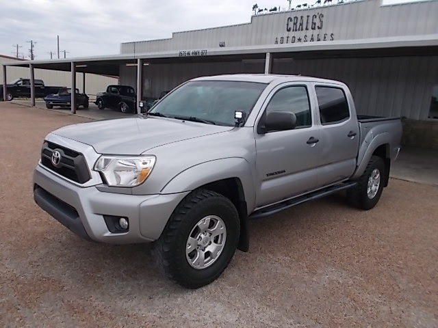 Toyota Tacoma 2015 price $25,900