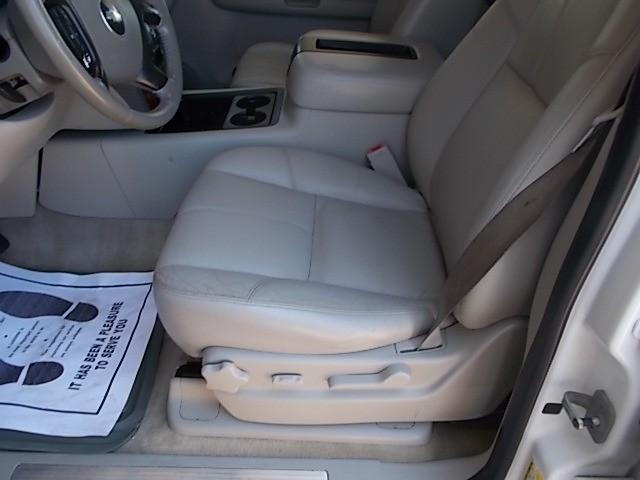 Chevrolet Suburban 2008 price $6,900