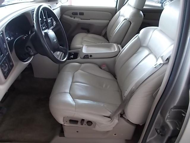 Chevrolet Suburban 2001 price $5,000