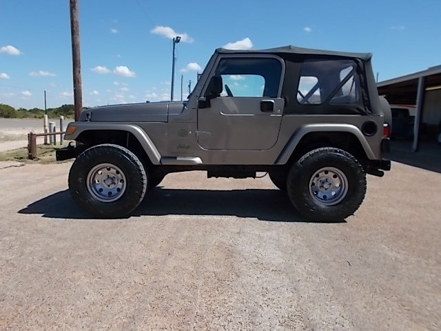 Jeep Wrangler 2003 price $11,900