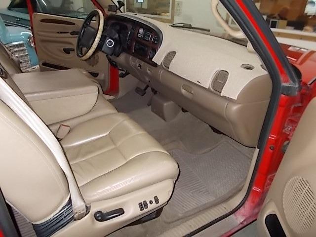 Dodge Ram 2500 2001 price $15,900