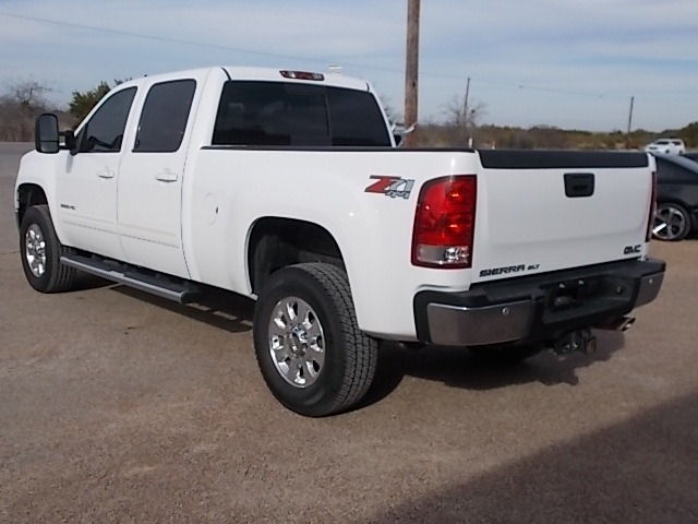 GMC Sierra 2500HD 2011 price $21,100
