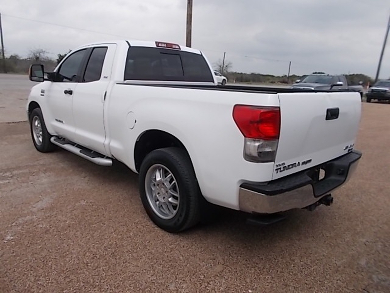 Toyota Tundra 2011 price $6,900