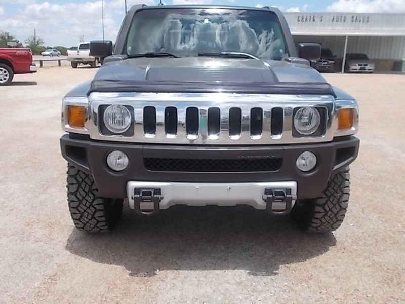 Hummer H3 2009 price $10,900