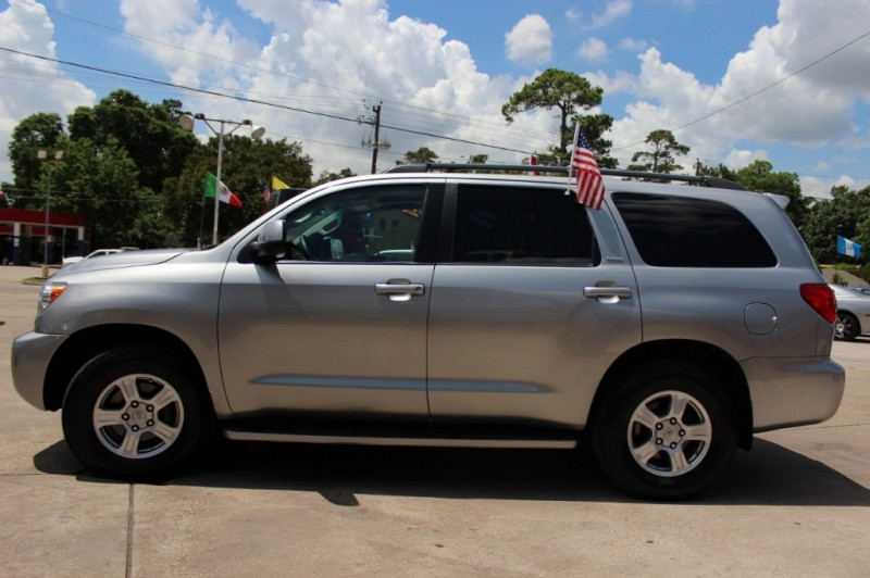 Toyota Sequoia 2010 price Call