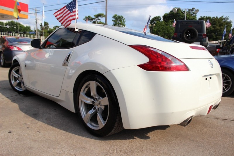 Nissan 370Z 2011 price Call