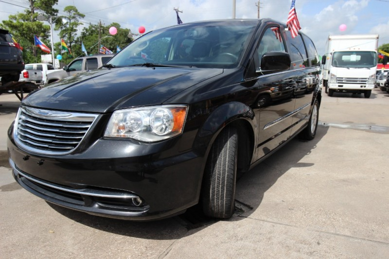Chrysler Town & Country 2014 price Call
