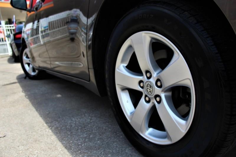Toyota Sienna 2011 price Call