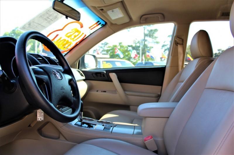 Toyota Highlander 2011 price Call