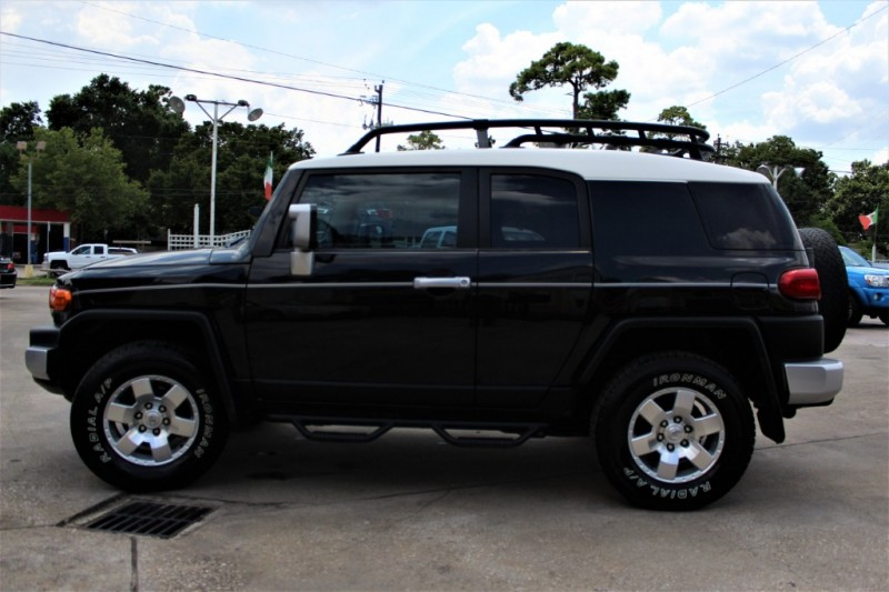 Toyota FJ Cruiser 2007 price Call