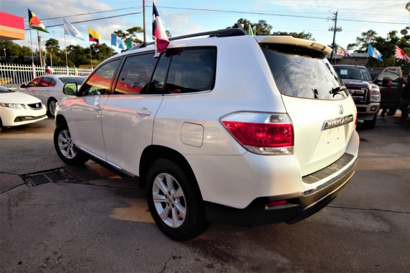 Toyota Highlander 2012 price Call