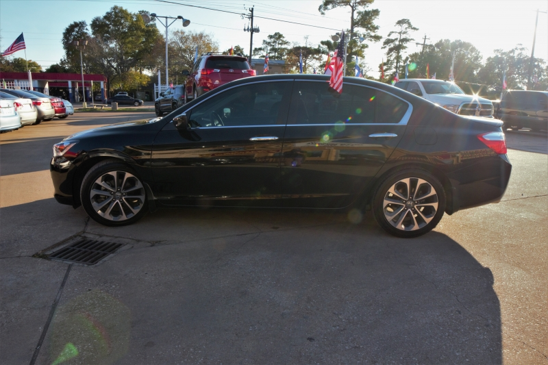 Honda Accord Sedan 2015 price Call