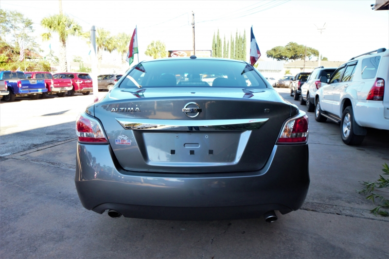 Nissan Altima 2015 price Call