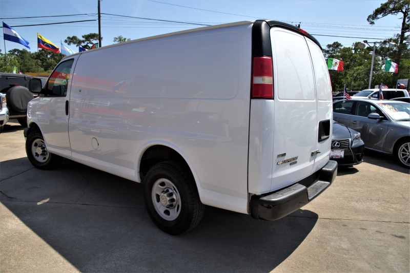 Chevrolet Express Cargo Van 2011 price Call