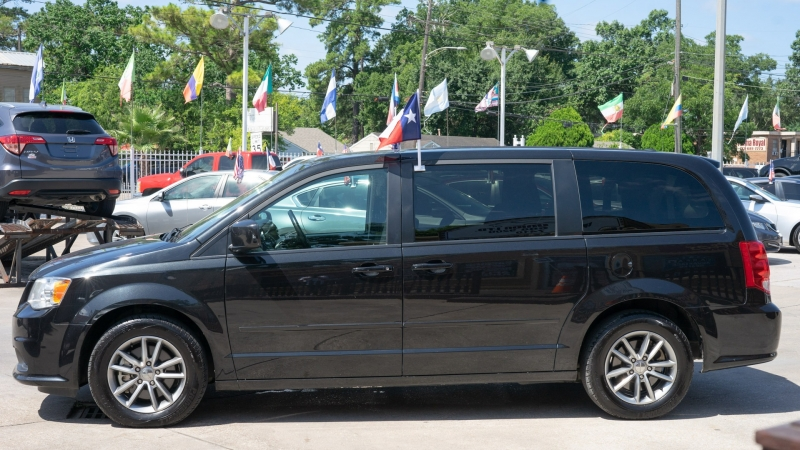 Dodge Grand Caravan 2017 price CALL