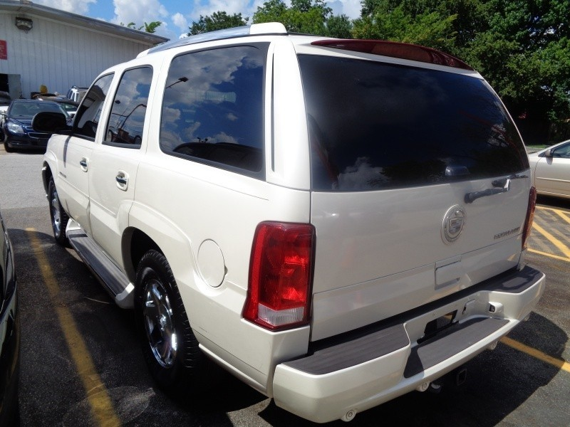 Cadillac Escalade 2006 price $4,495