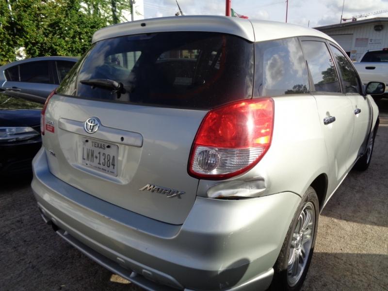 Toyota Matrix 2004 price $2,995