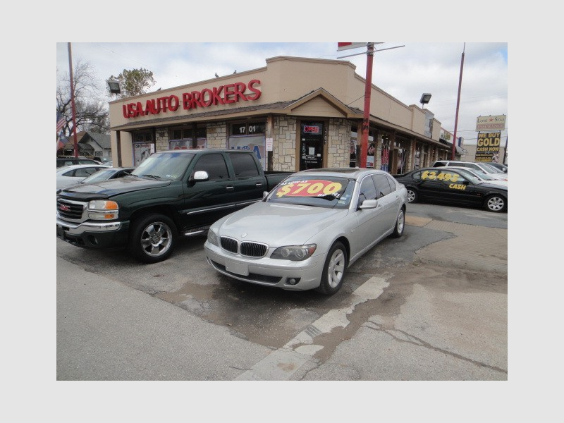 Lincoln Town Car 2005 price $3,695
