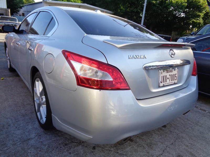 Nissan Maxima 2009 price $4,995