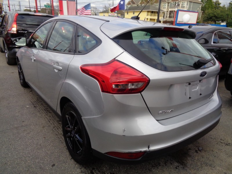 Ford Focus 2015 price $6,495