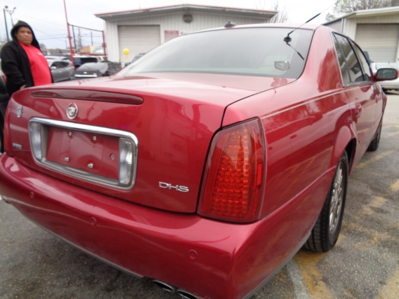 2004 Cadillac DeVille 4dr Sdn DHS