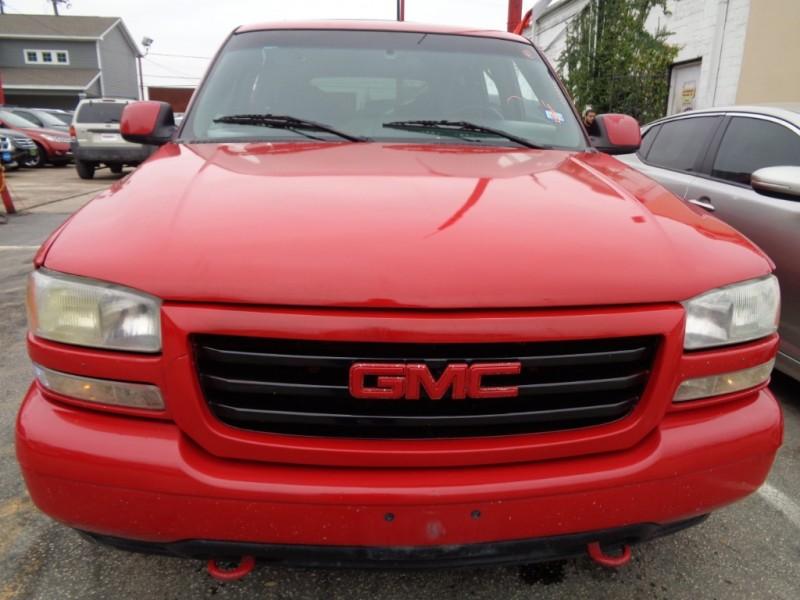 GMC Yukon 2002 price $3,795