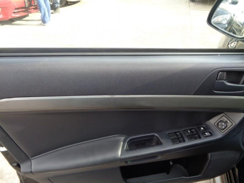 Mitsubishi Lancer 2014 price $3,995