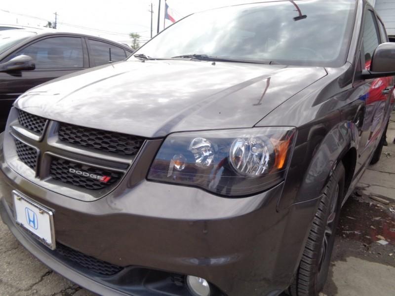 Dodge Grand Caravan 2016 price $12,995