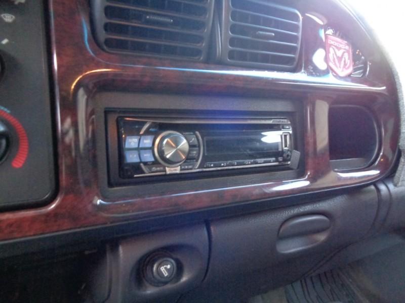 Dodge Ram 1500 2001 price $5,795