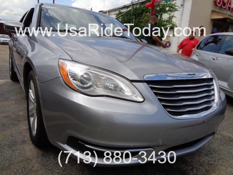 Chrysler 200 2013 price $7,495