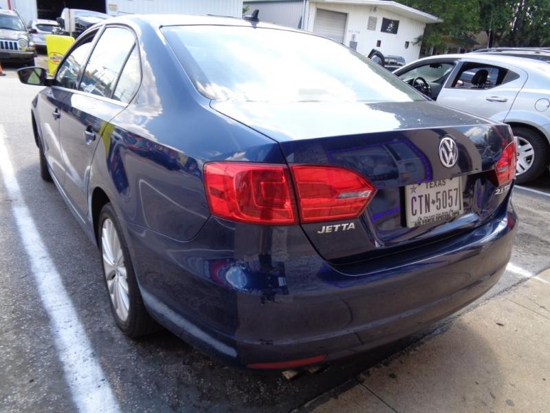 Volkswagen Jetta Sedan 2011 price $9,995