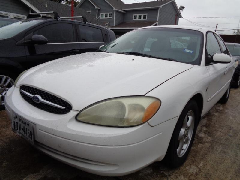 Ford Taurus 2001 price $2,495