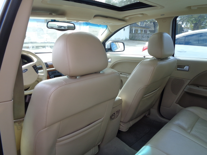 Ford Five Hundred 2005 price $4,995