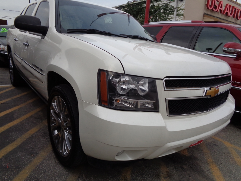 Chevrolet Avalanche 2008 price $8,995