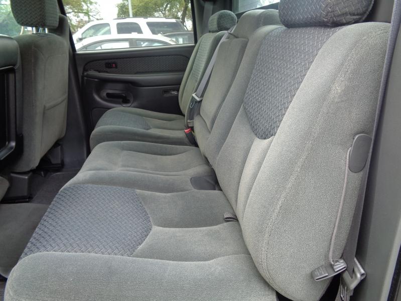 Chevrolet Avalanche 2004 price $4,495