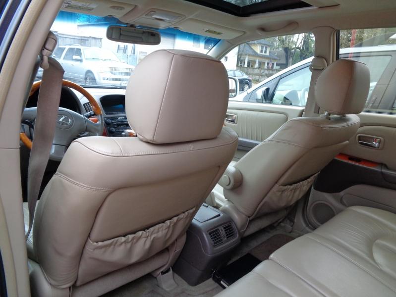 Lexus RX 300 2001 price $7,995