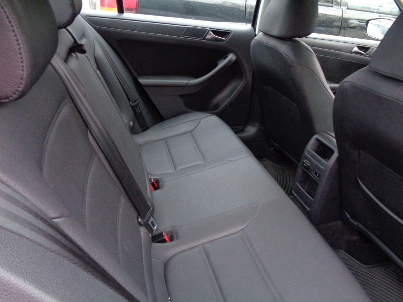 Volkswagen Jetta Sedan 2011 price $5,495