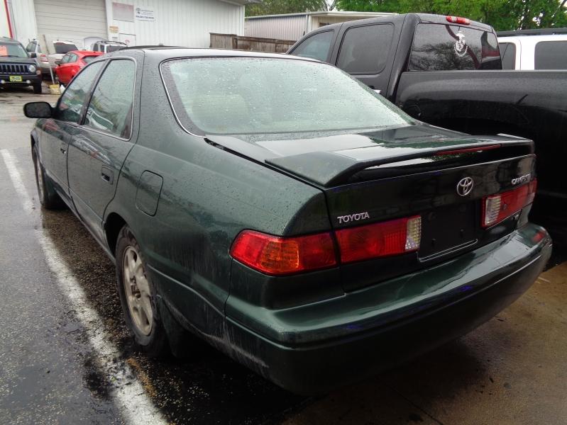 Toyota Camry 2001 price $2,495