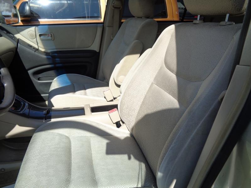 Toyota Highlander 2003 price $5,495