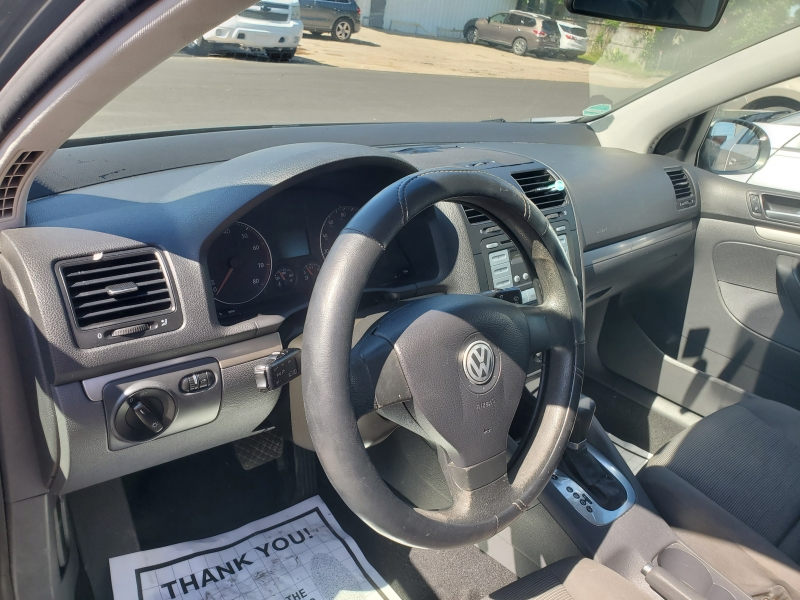 Volkswagen Rabbit 2007 price $3,995