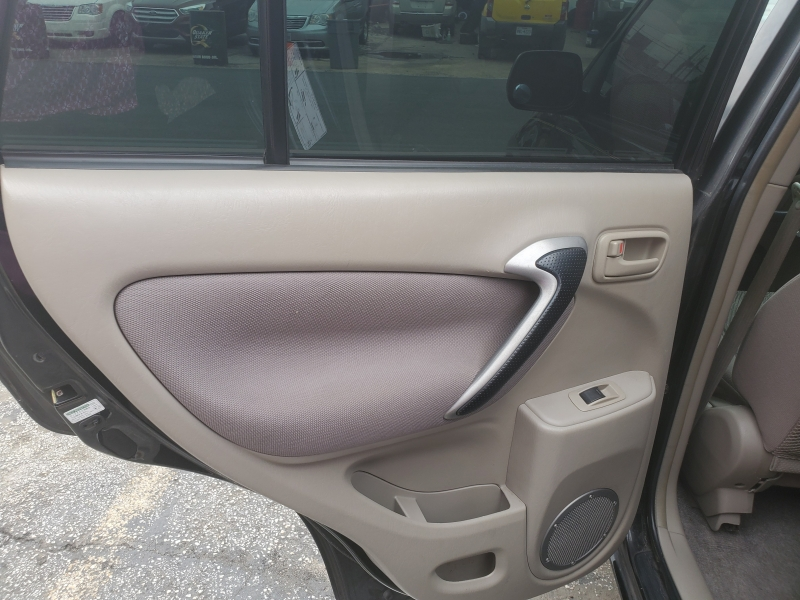 Toyota RAV4 2001 price $3,995