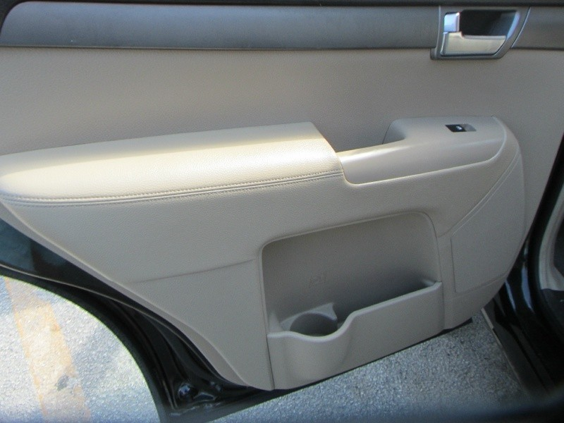 Kia Borrego 2009 price $4,995 Cash
