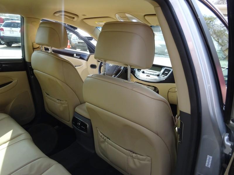 Hyundai Genesis 2010 price $5,995