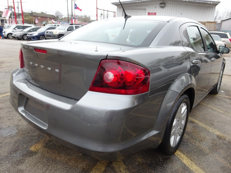 Dodge Avenger 2012 price $4,995
