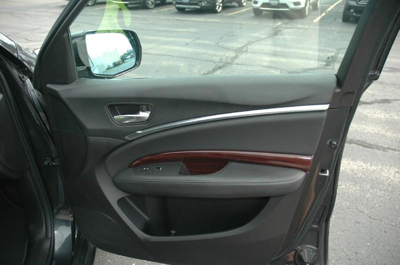 Acura MDX 2016 price $27,690