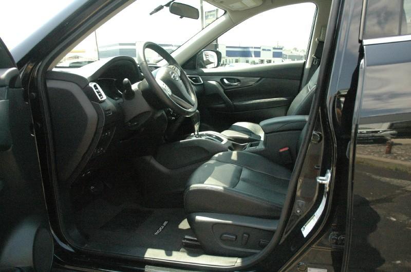 Nissan Rogue 2016 price $18,990
