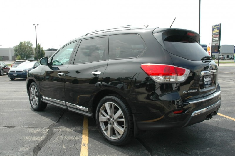 Nissan Pathfinder 2016 price $28,990