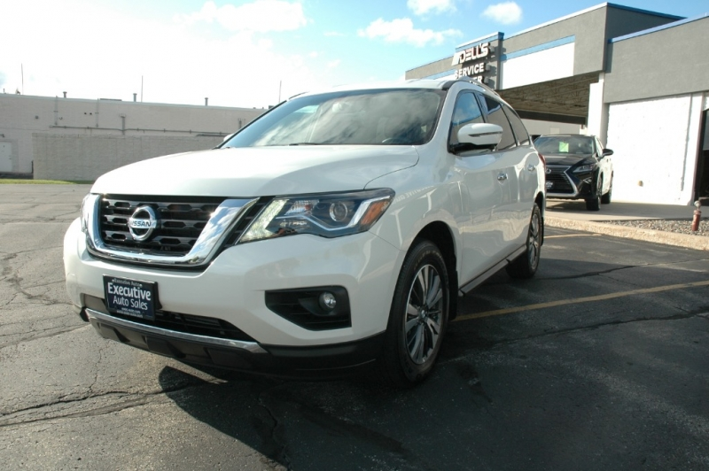 Nissan Pathfinder 2017 price $28,990