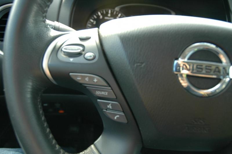 Nissan Pathfinder 2017 price $29,990