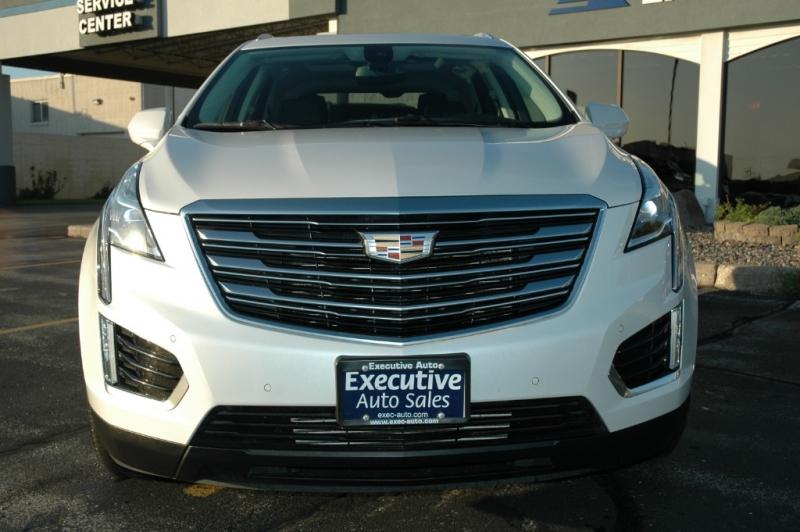 Cadillac XT5 2017 price $34,990